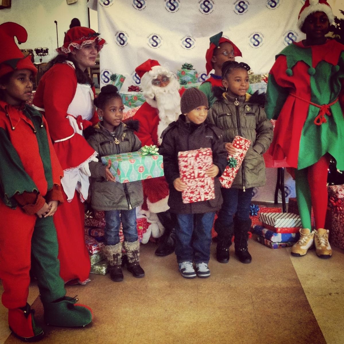 sscp-rockaways-9-nigel-as-santa-nigel-jr-far-left